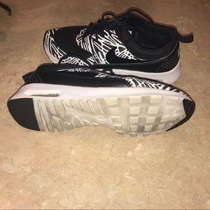 Nike Shoes - Women's Nike Air Max